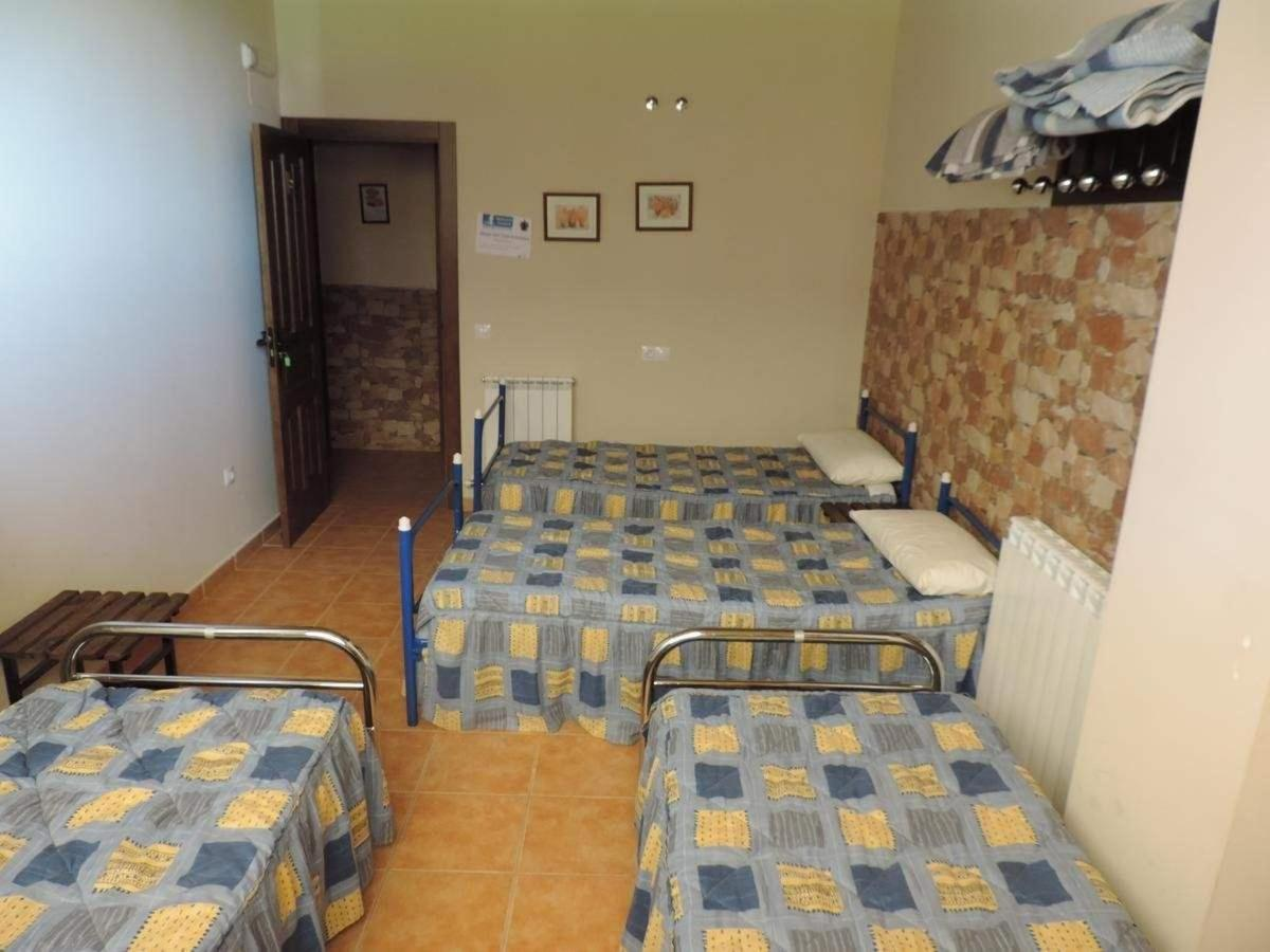 Habitación cuádruple con baño a compartir.jpg