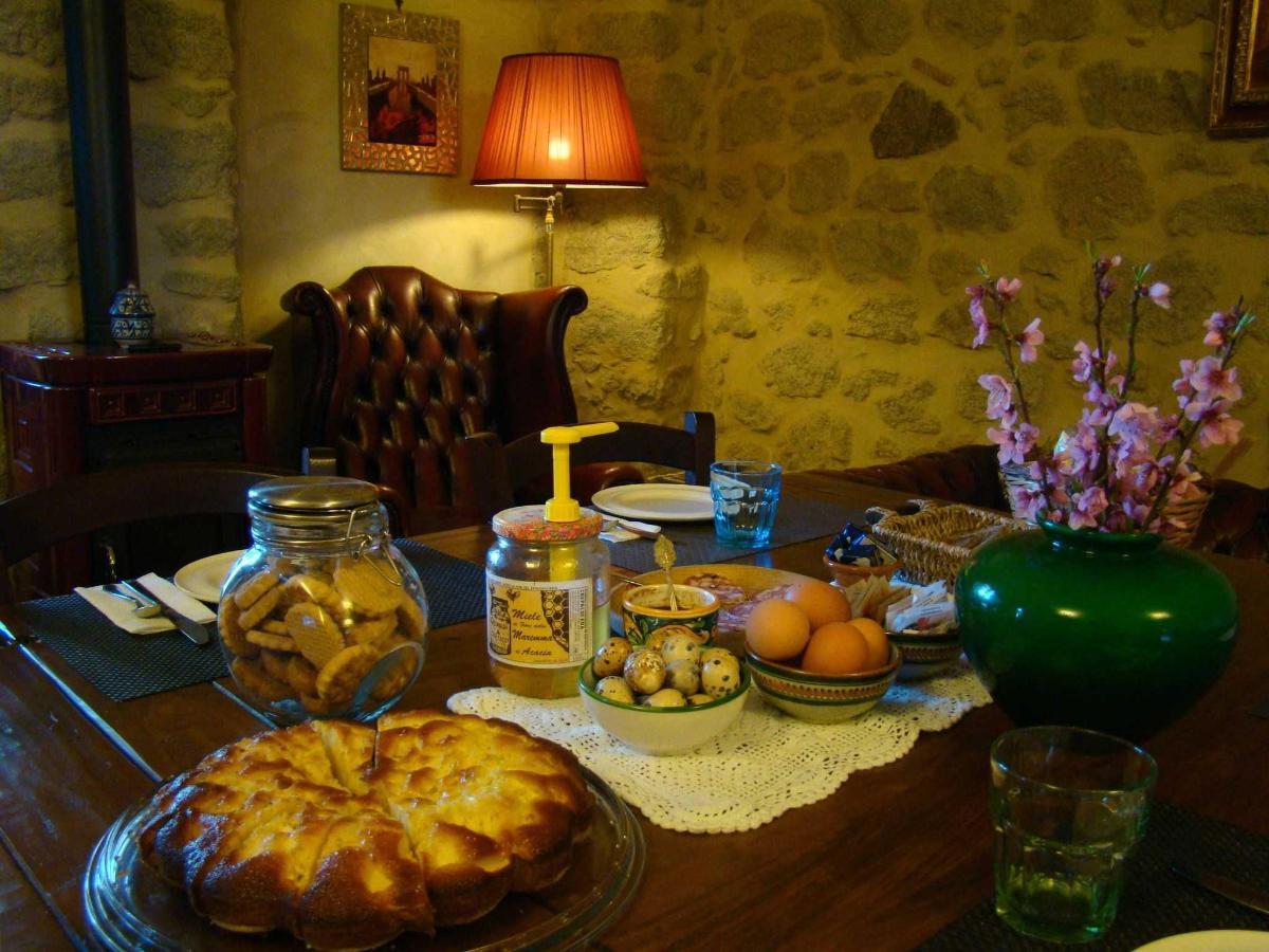 Colazione a Borgo Tepolini.JPG