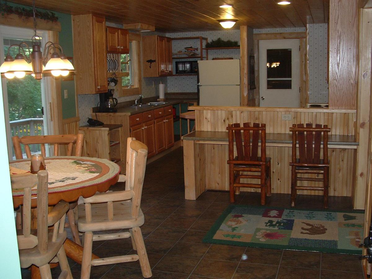 Cabin kitchen dining.JPG