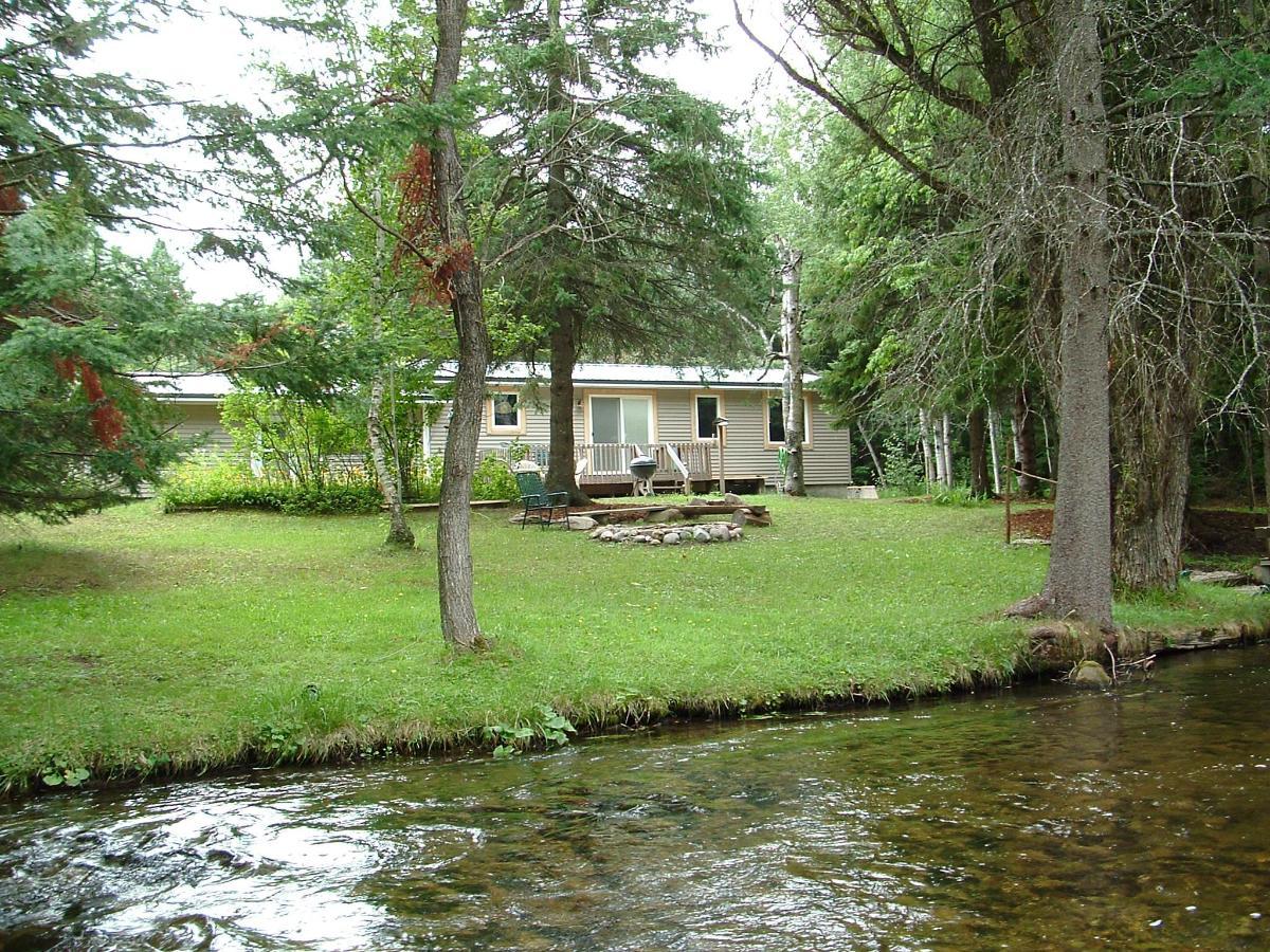 Cabin Riverside.JPG