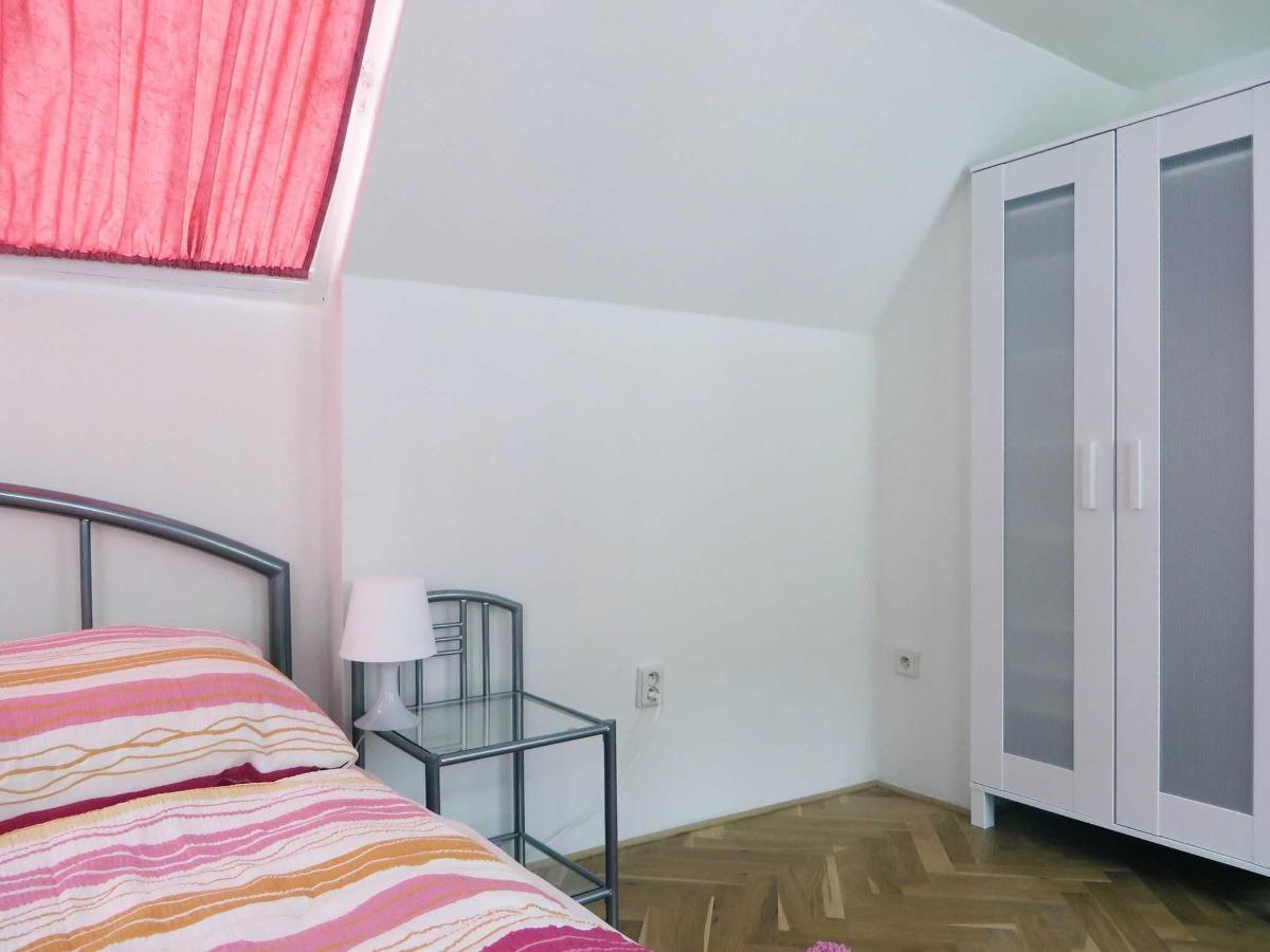 2 Bedroom Attic Apartment - main bedroom