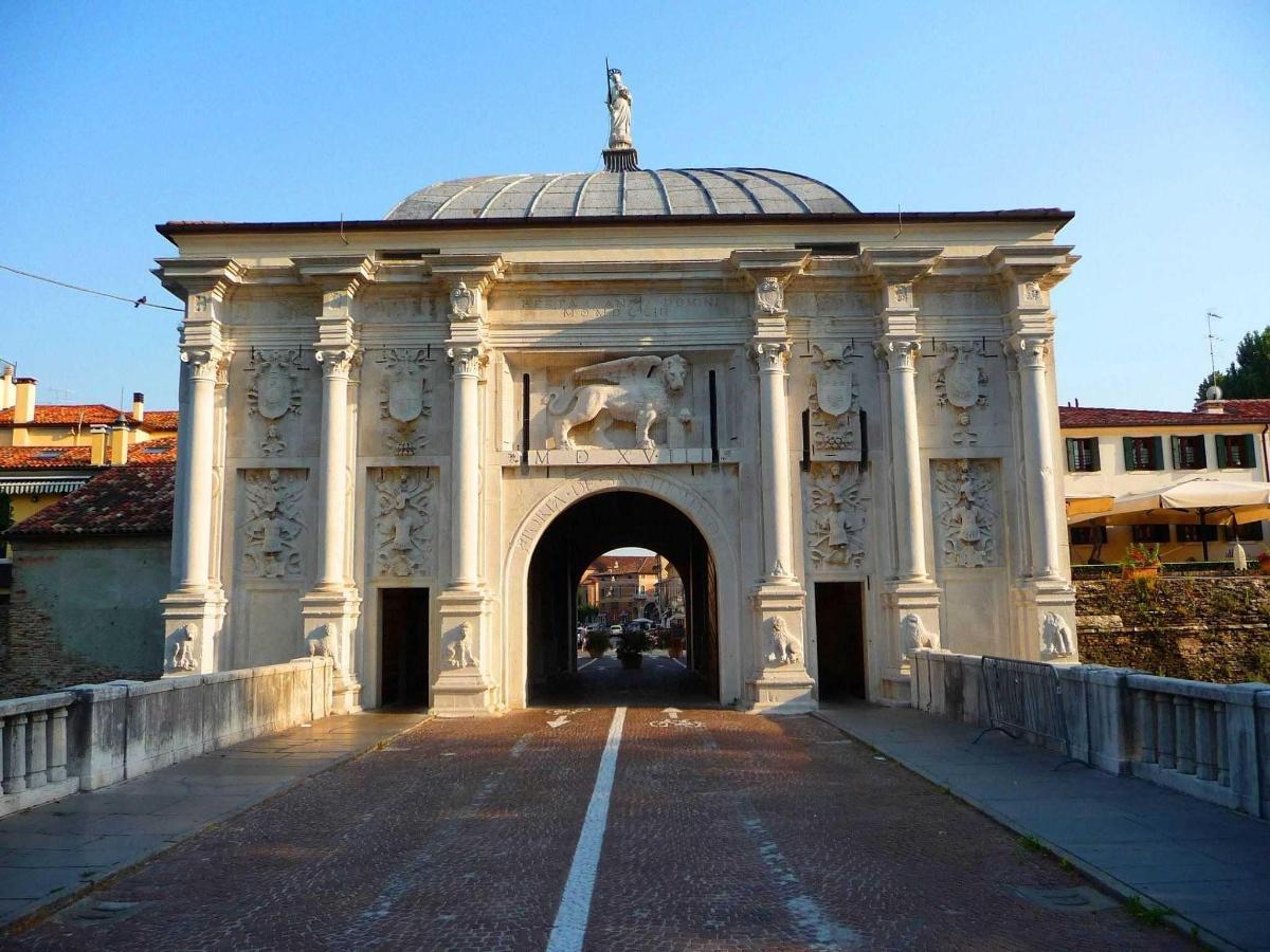 Treviso - S. Tommaso's gateway
