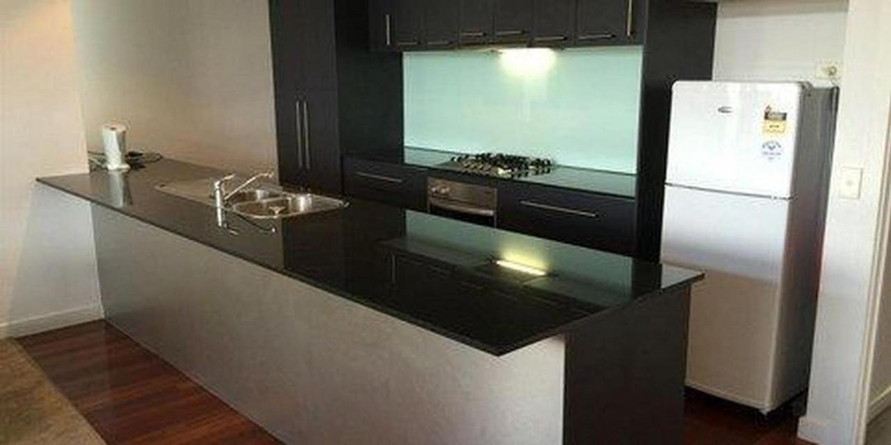 executive-balcony-suite-kitchen-6.JPG