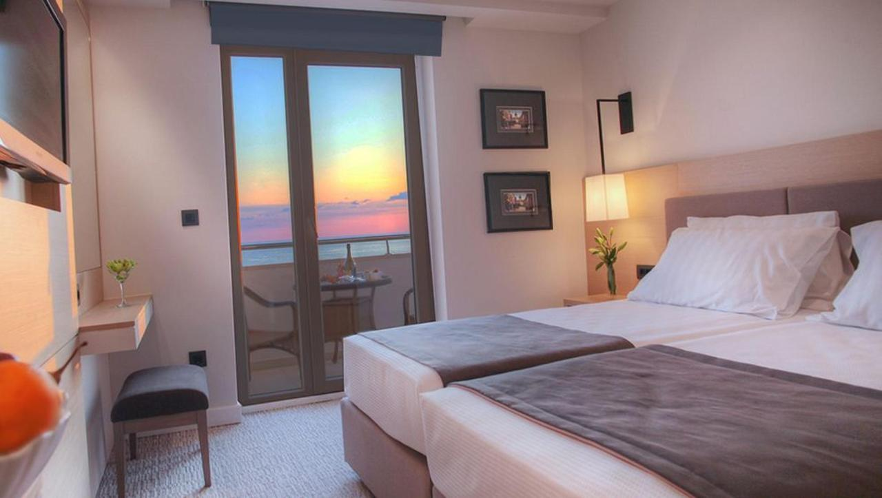 panoramic-sea-view-room-with-balcony2-1.jpg