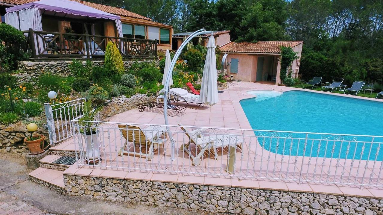 Вилла Victoria μAix в Провансе, вилла и бассейн с подогревом