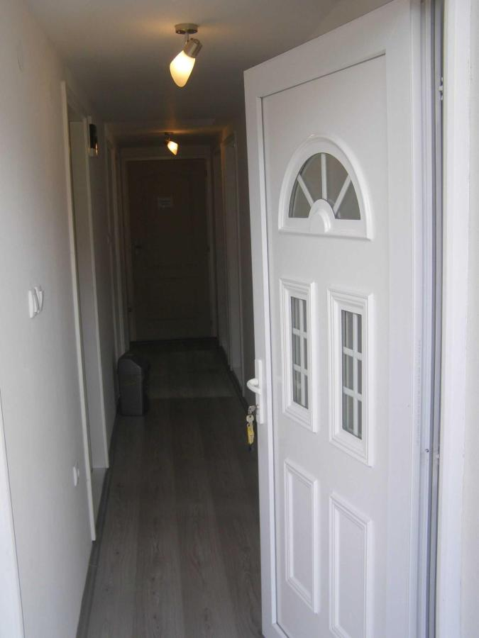 6-entrance-to-the-floor.JPG