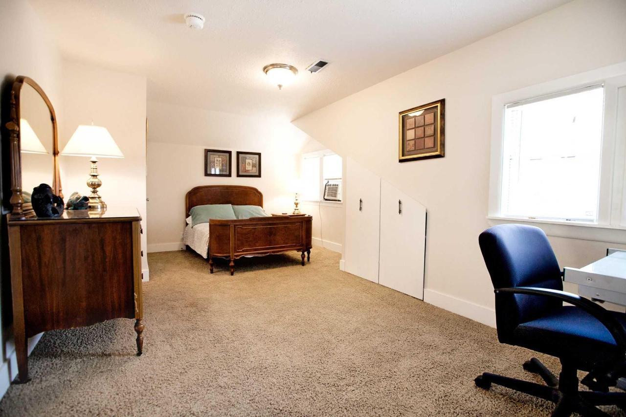 Tom McCall Guestroom.jpg