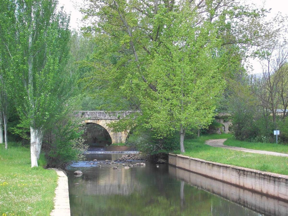 Piscina natural en río Razón