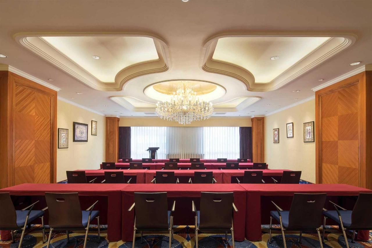 会议室-课桌式