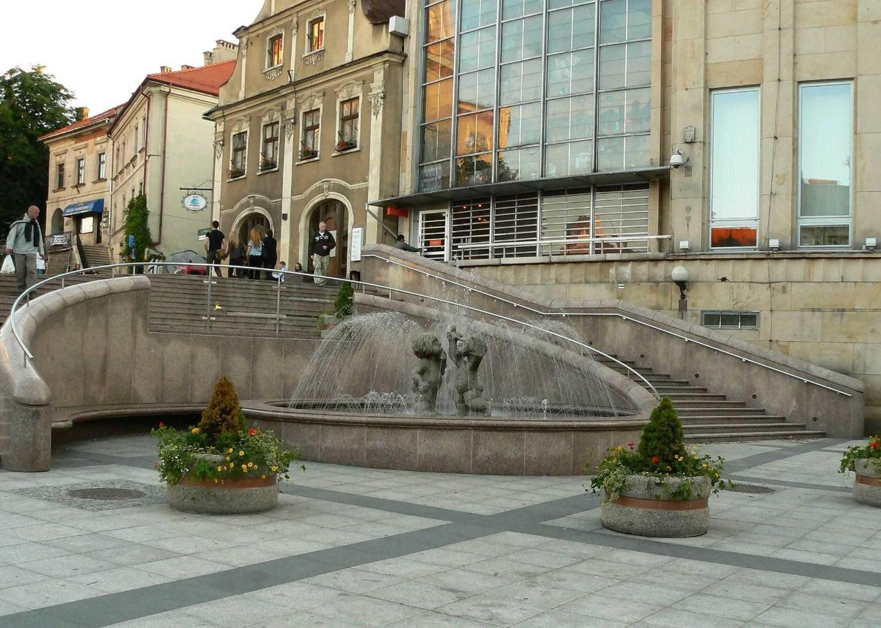 Bielsko-Biała-plac-Chrobrego.JPG