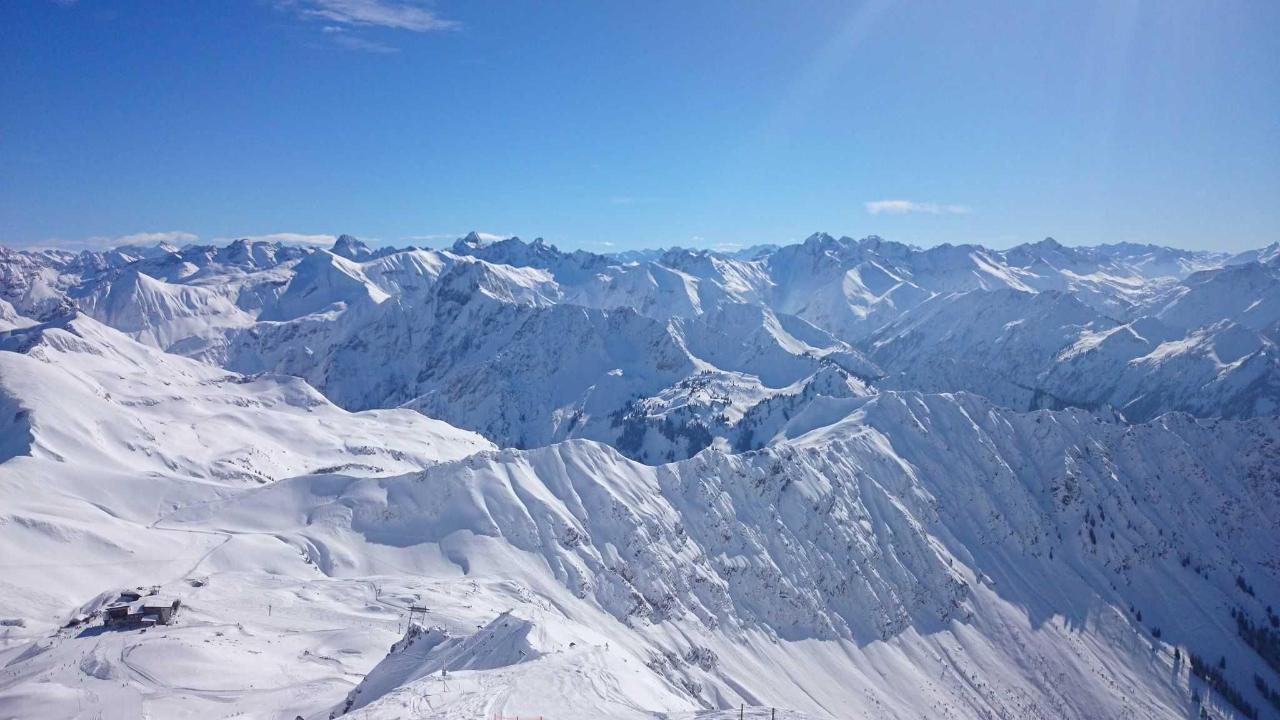 Blick vom Nebelhorn.JPG