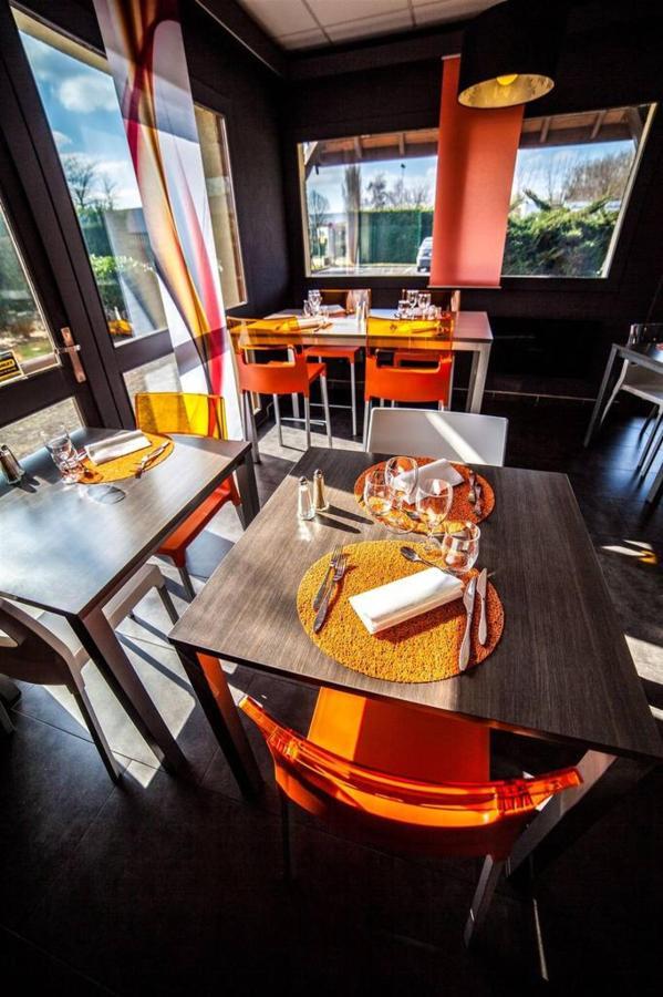 table-restaurant-hotel-comfort-garden-1.jpg.1024x0.jpg