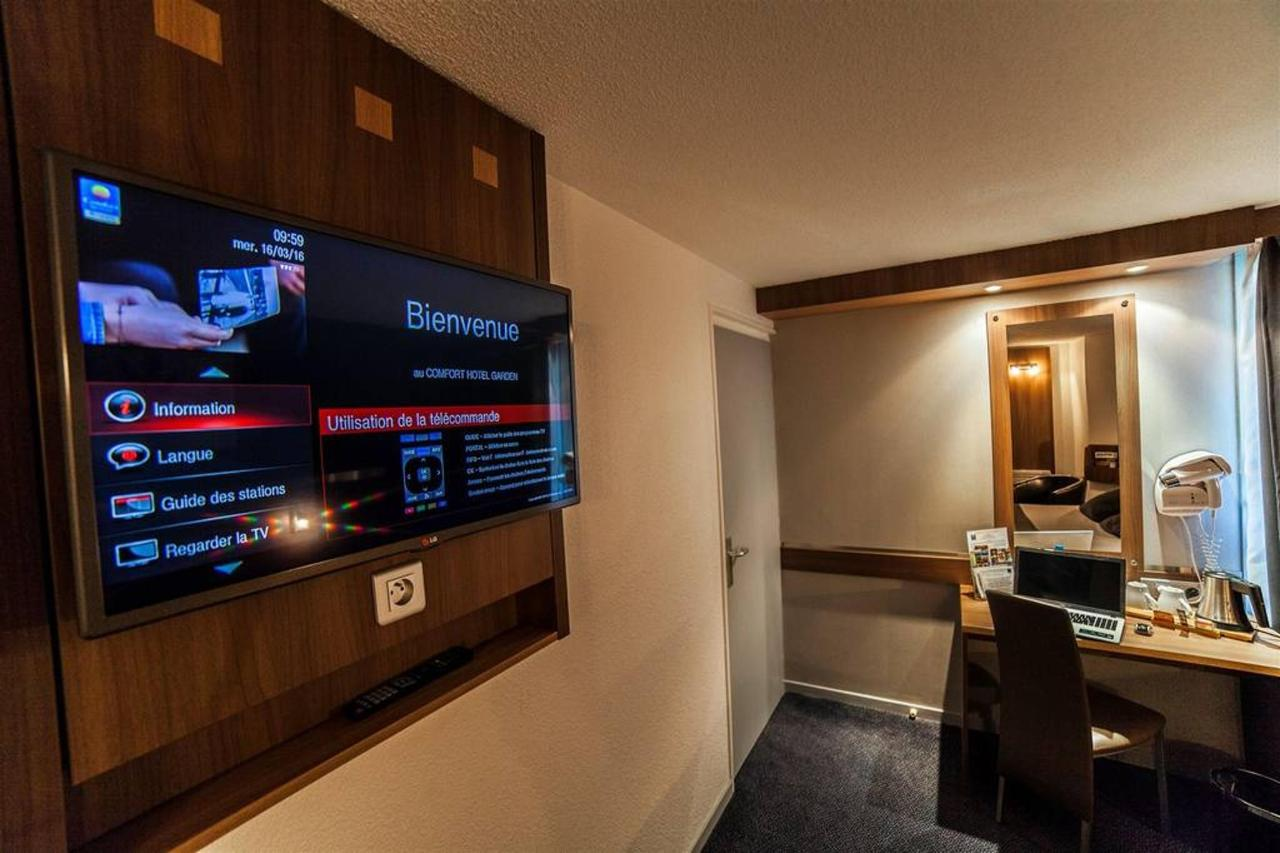 flat screen-TV-1-int-a-ractif-comfort-hotel-garden.jpg.1024x0.jpg