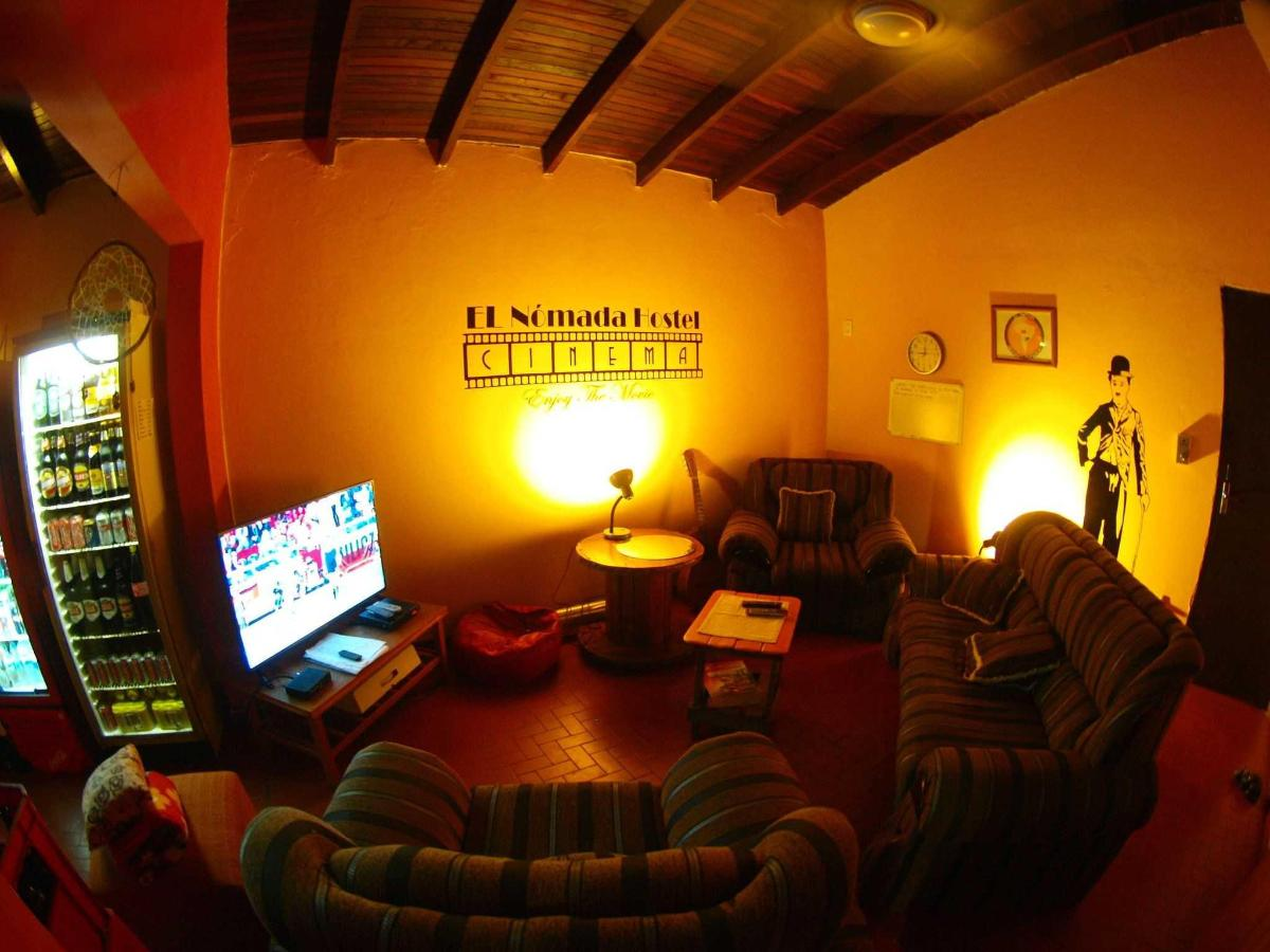 TV room at nomada hostel asuncion.JPG