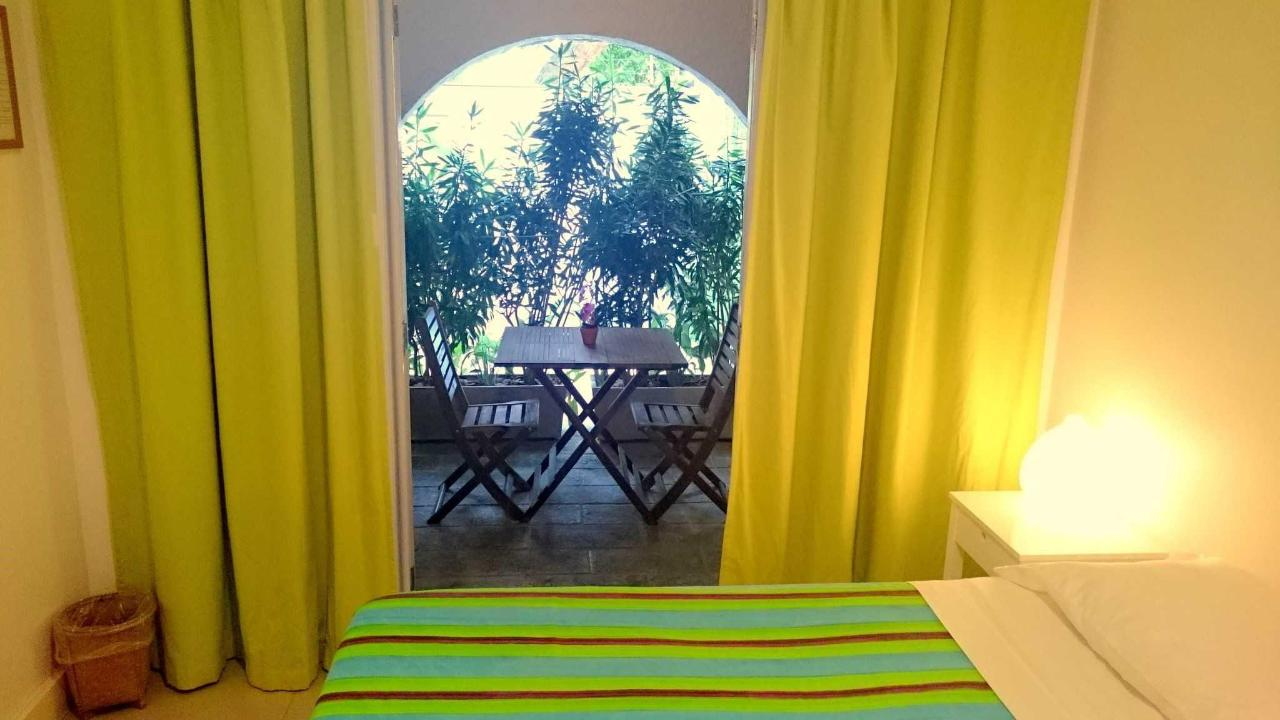 Green Suite with Balcony (triple room)