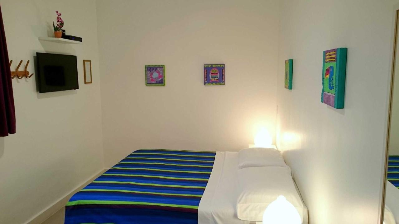 Purple Suite (double room)7