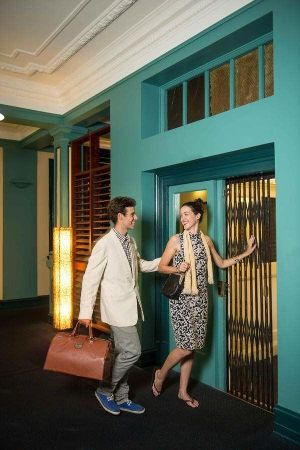 couple-in-cairns-hotel-hides-hotel.jpg