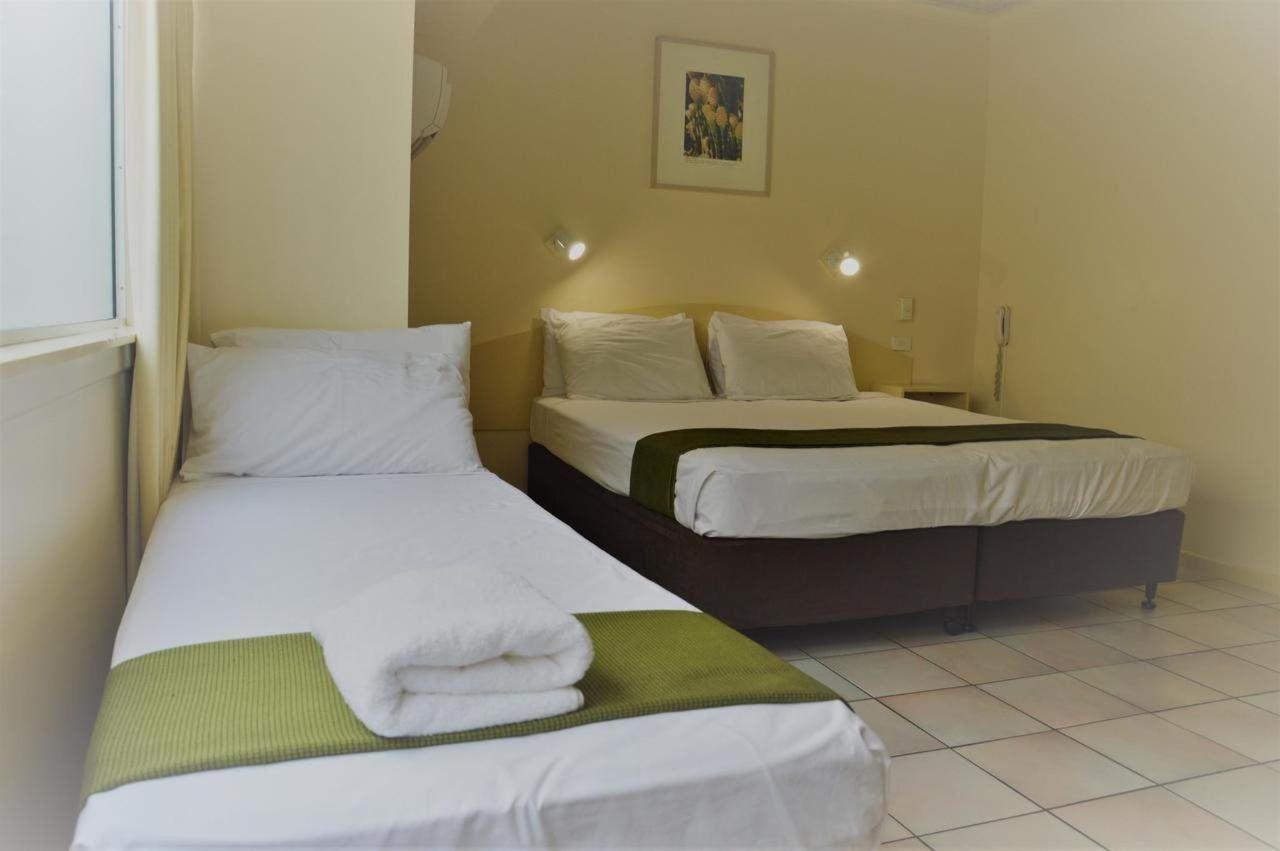 triple-room-hides-hotel-cairns-australia.jpg