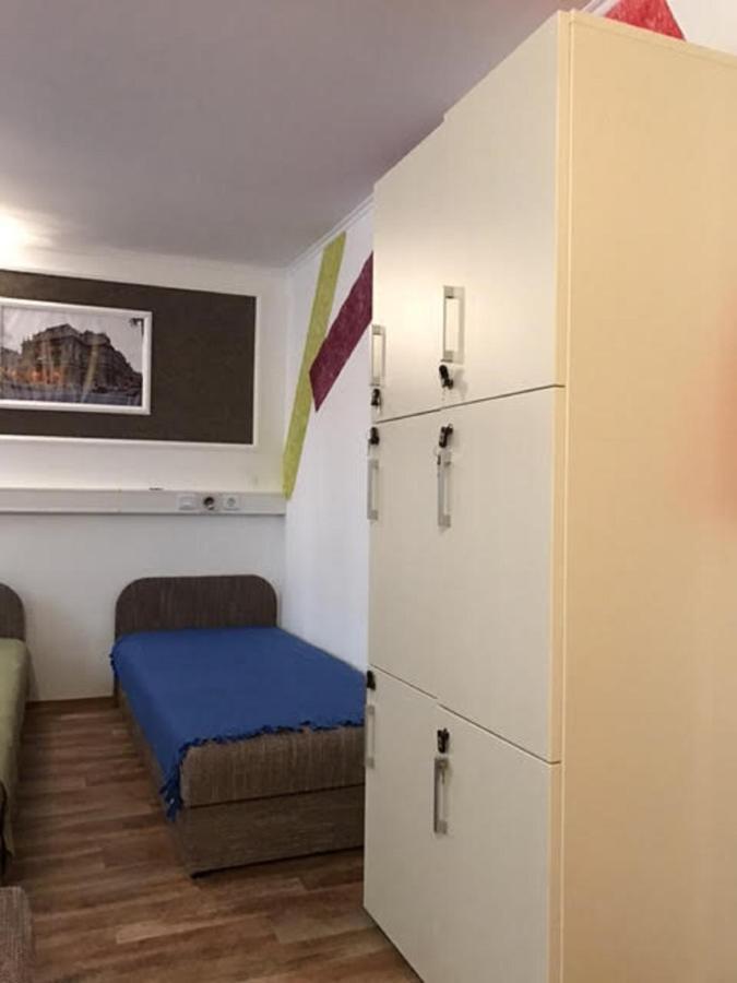 albergue szekrény2nagy.jpg