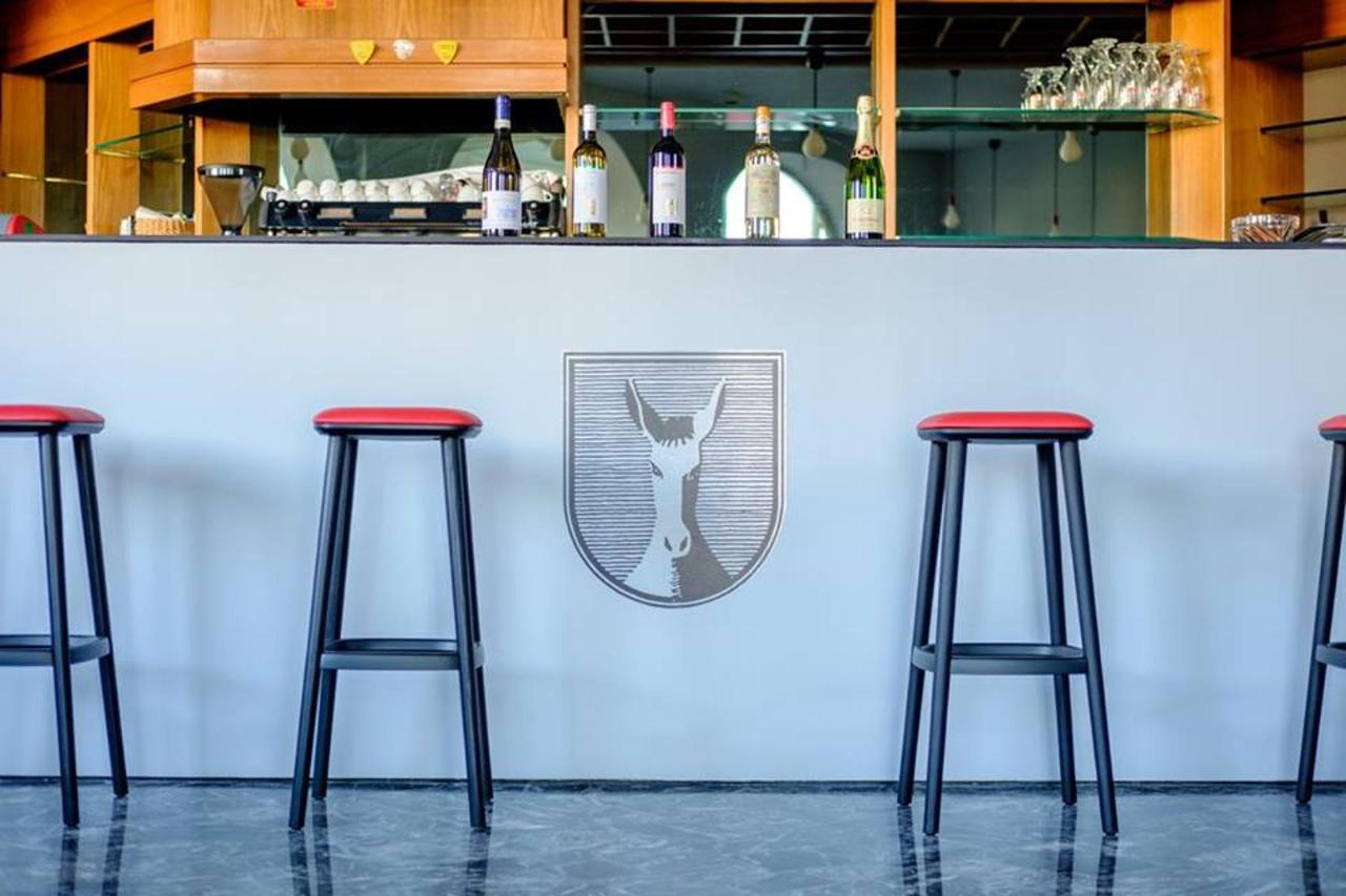 wine bar mus.jpg