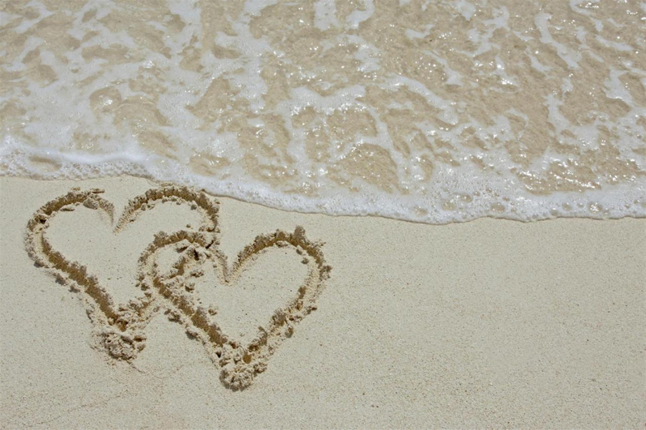 sand-hearts-2.jpg.1920x0.jpg