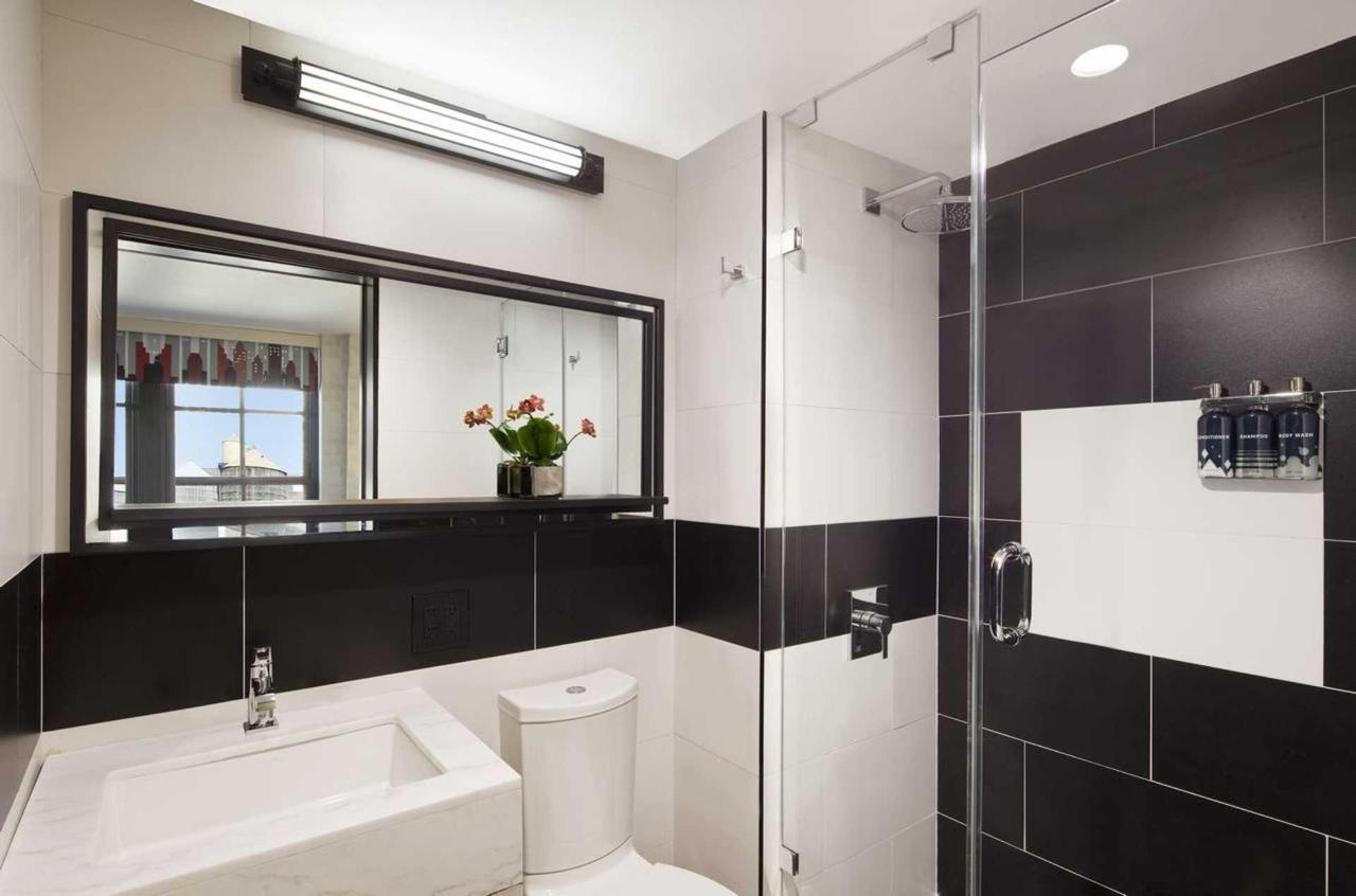 bathroom-perfect-new-york-hotel-1.jpg.1920x0.jpg