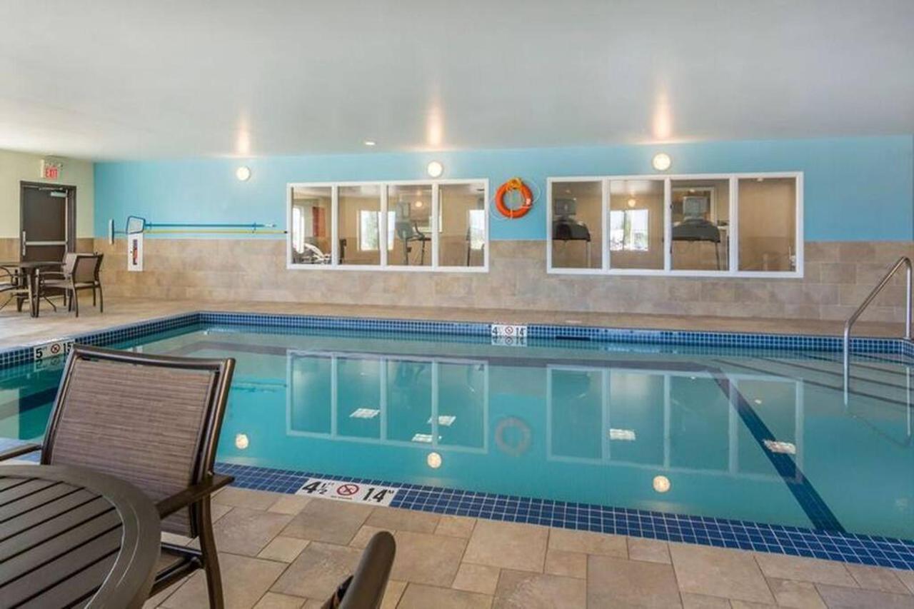 pool.jpg.1024x0.jpg