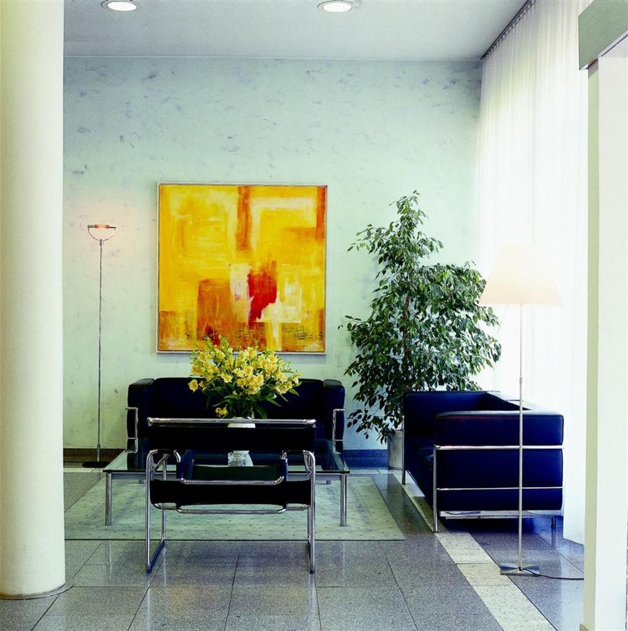 ge208-lobby-klein.jpg.1024x0.jpg