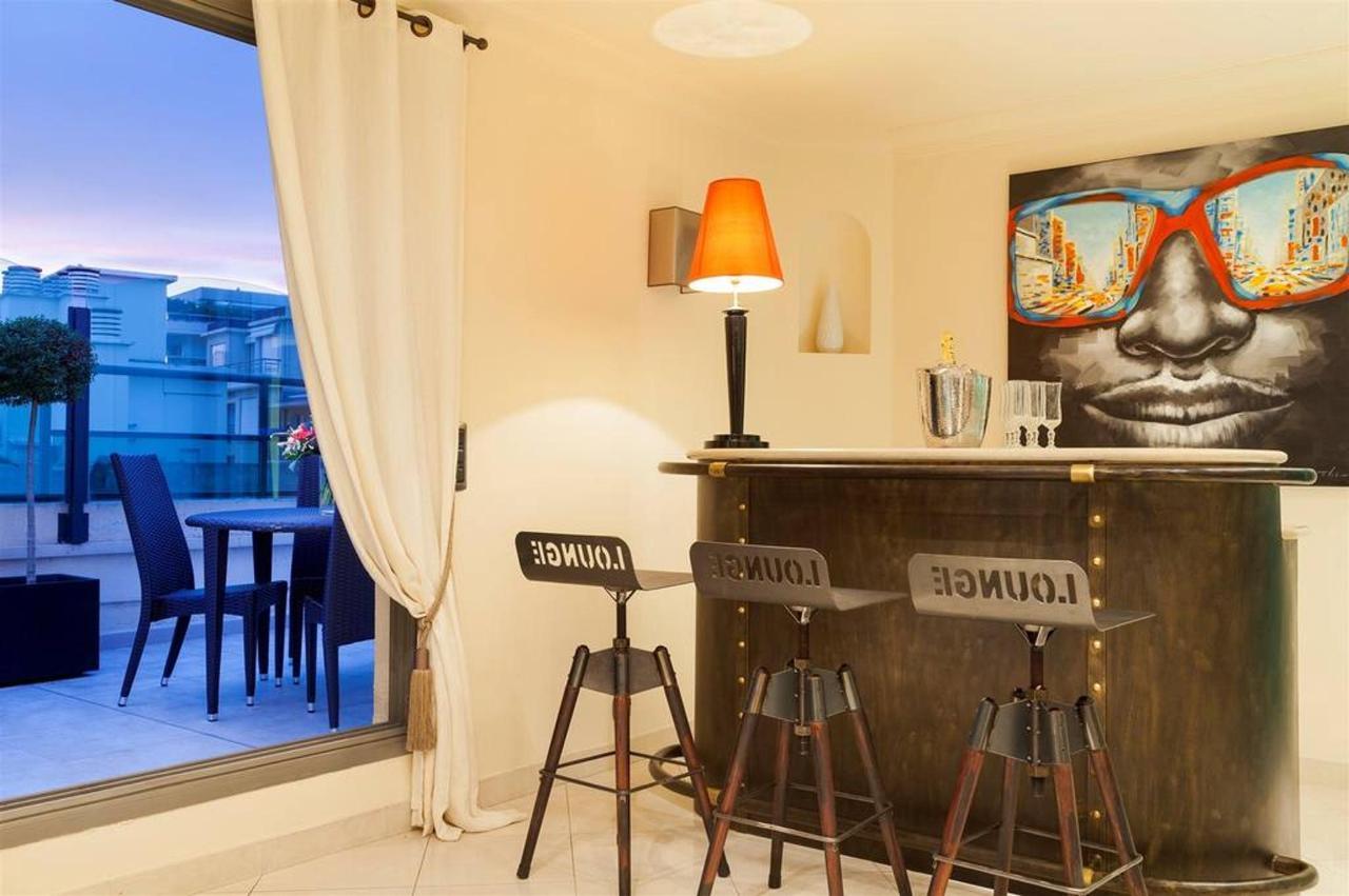 penthouse-bar-9.jpg.1024x0.jpg