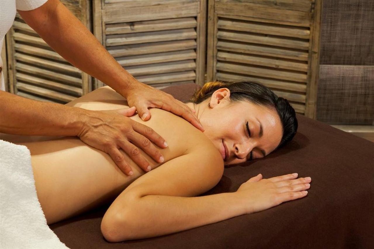 massage-4.jpg.1024x0.jpg