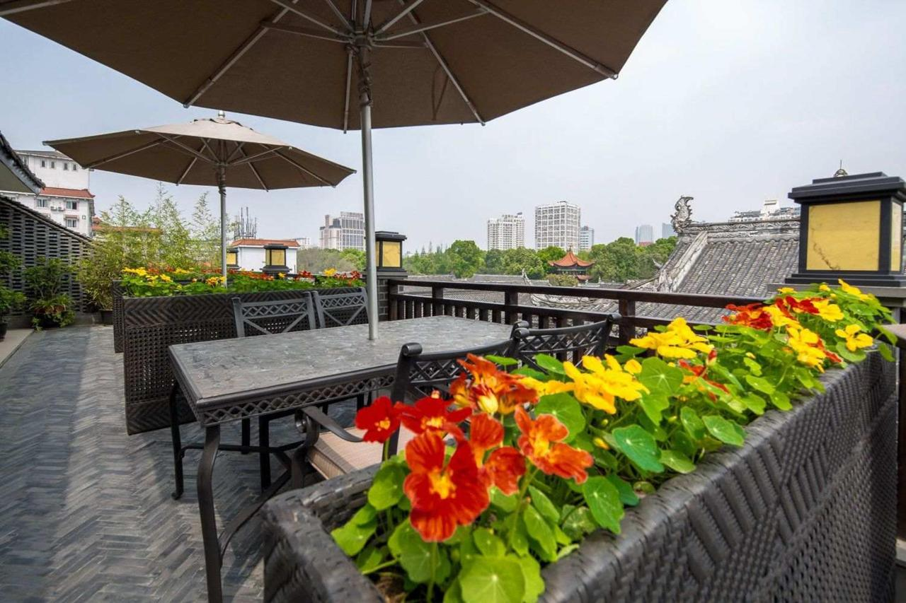 Roof Top Garden & Bar
