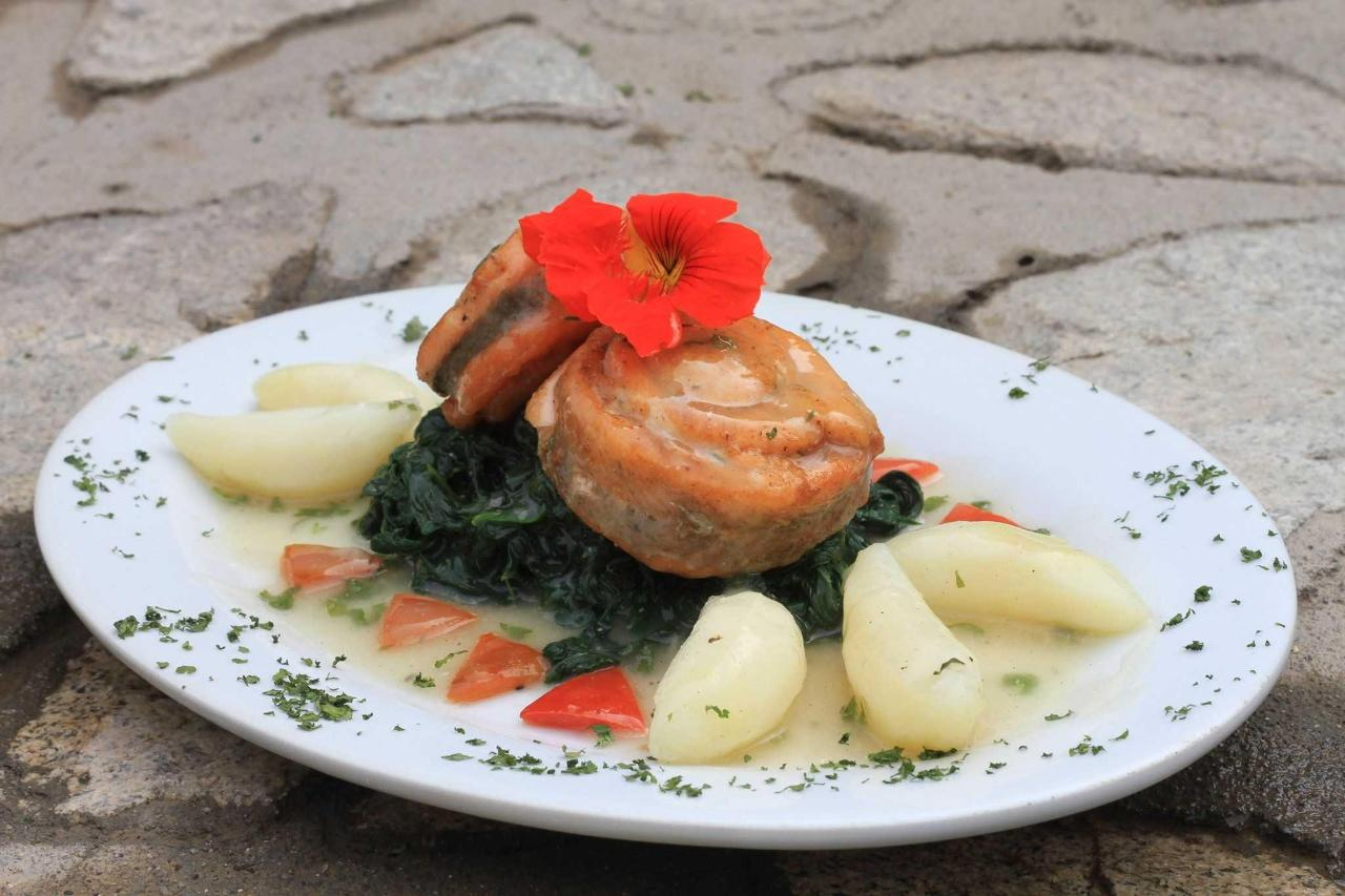 Trout with potatoes and spinach