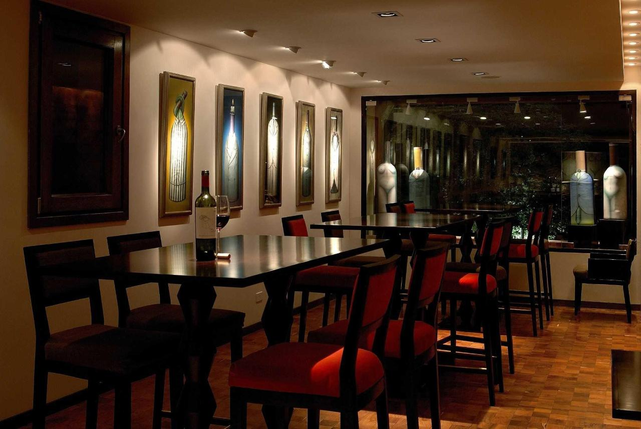 Wine Bar- El Casco Art Hotel.JPG