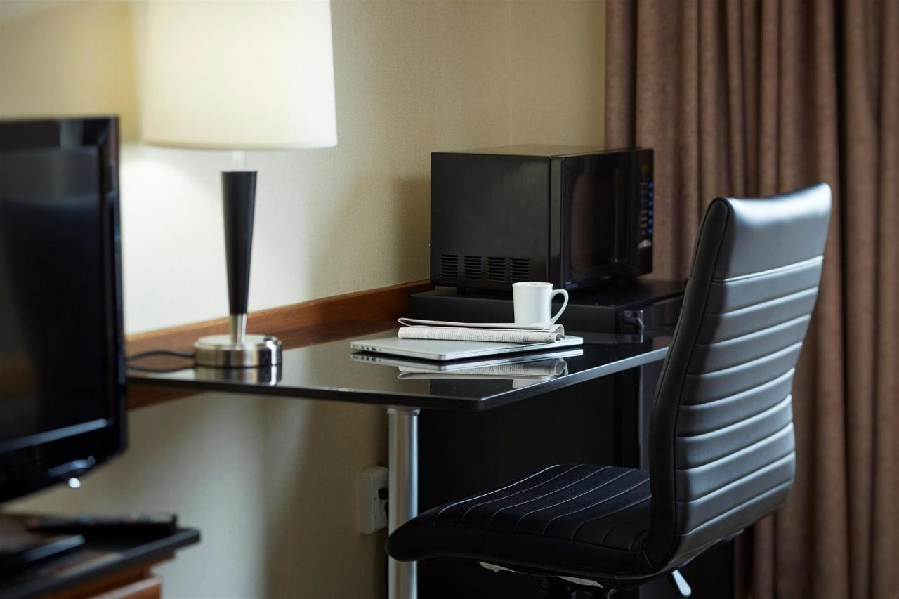 58601202_your_office_and_home_away_from_home_.jpg