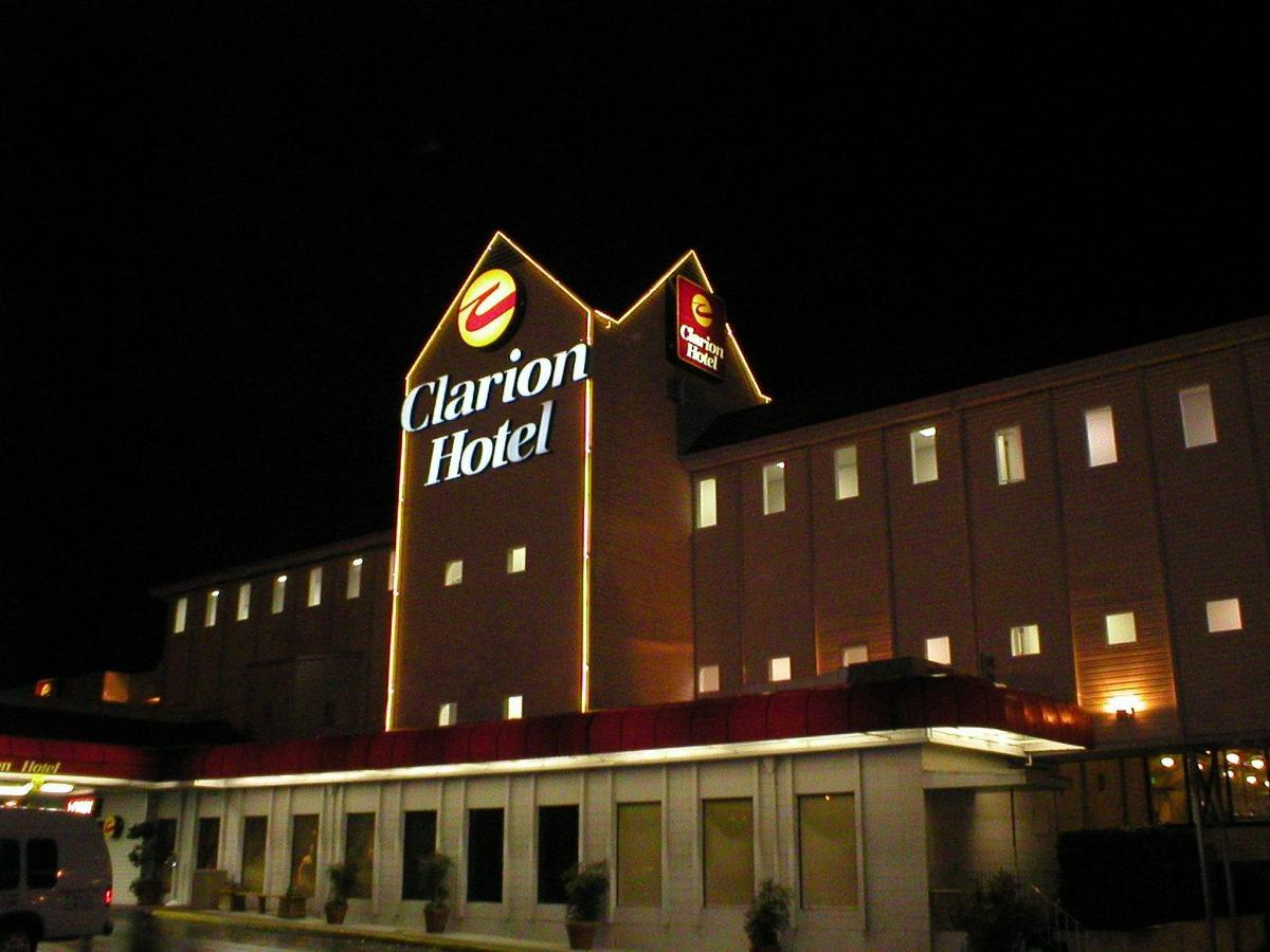 night-exterior-shot.JPG