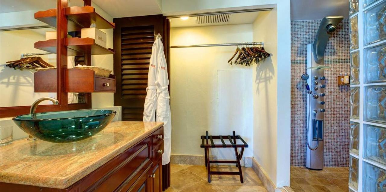 bathroom-2.jpg.1236x617_default (1).jpg