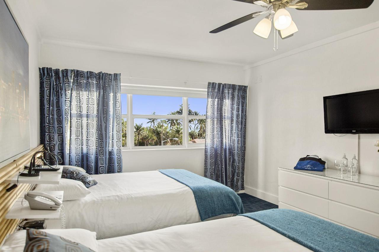 Room 306-6.jpg