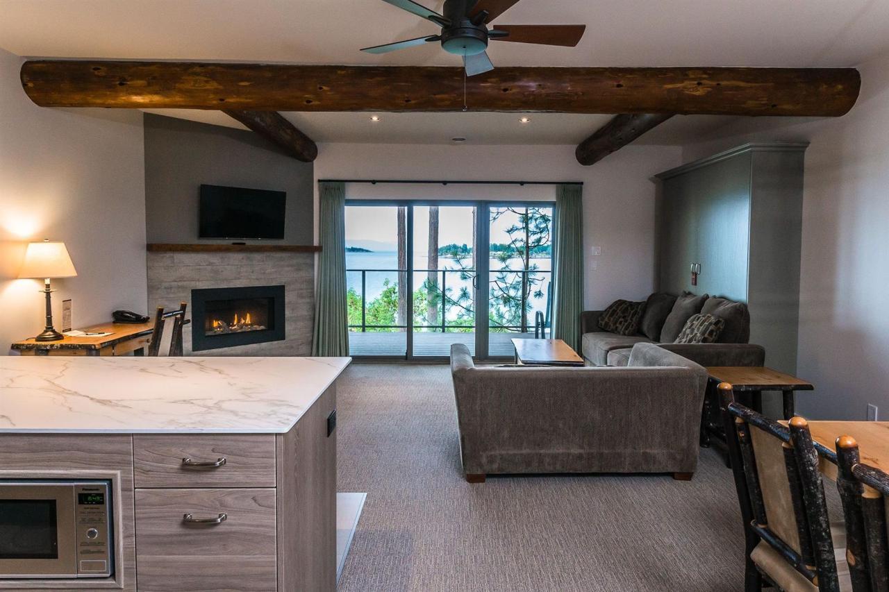 Tigh-Na-Mara Seaside Spa Resort Ballenas Suite