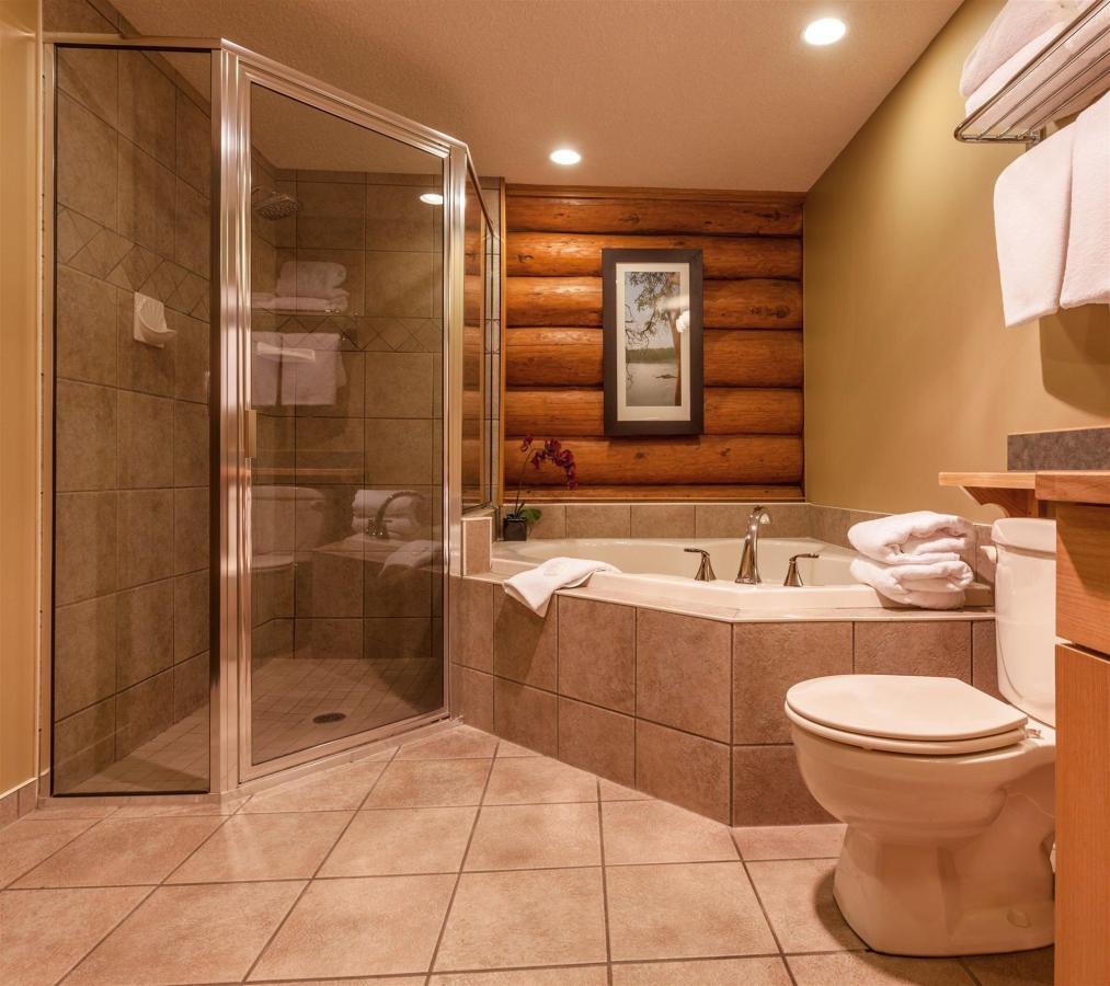 Tigh-Na-Mara Seaside Spa Resort Bungalow Bathroom