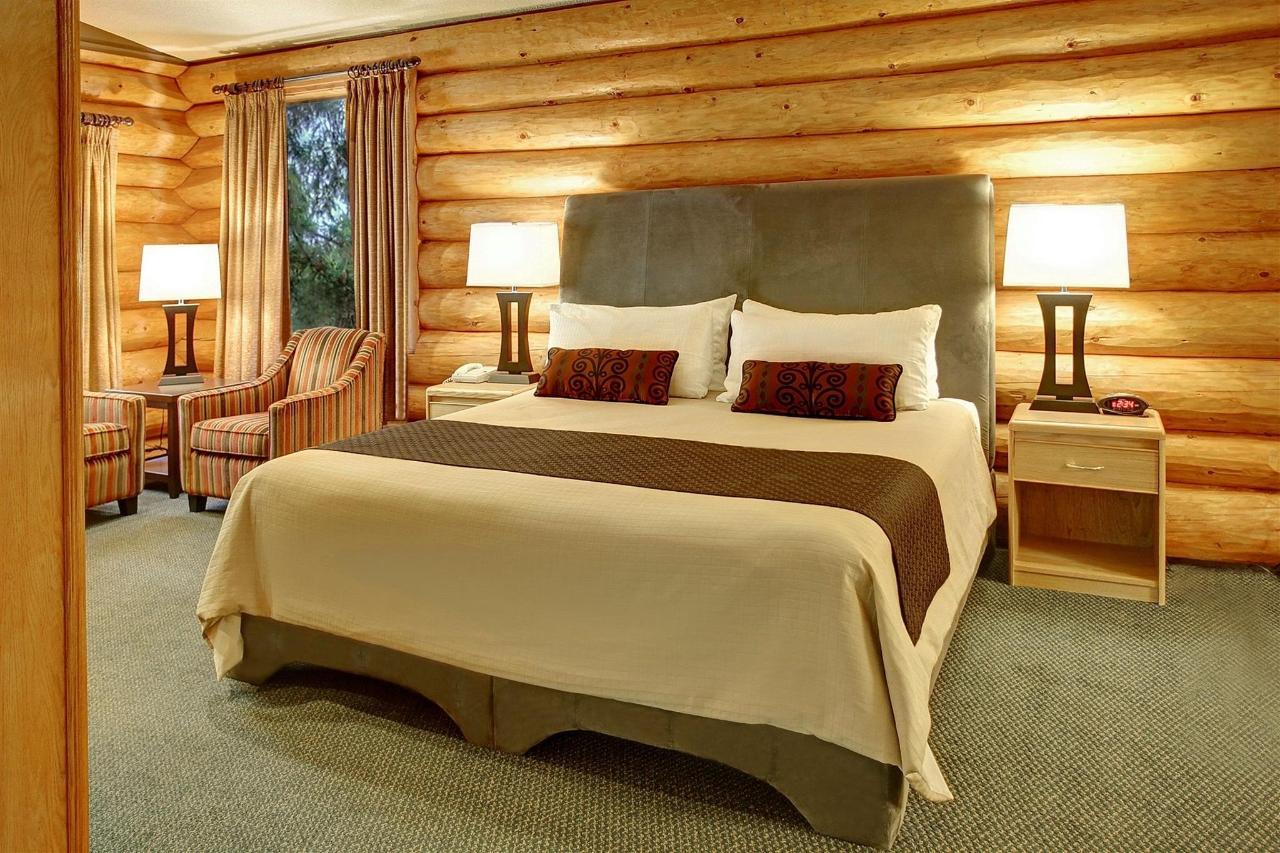 Tigh-Na-Mara Seaside Spa Resort Bungalow Bedroom