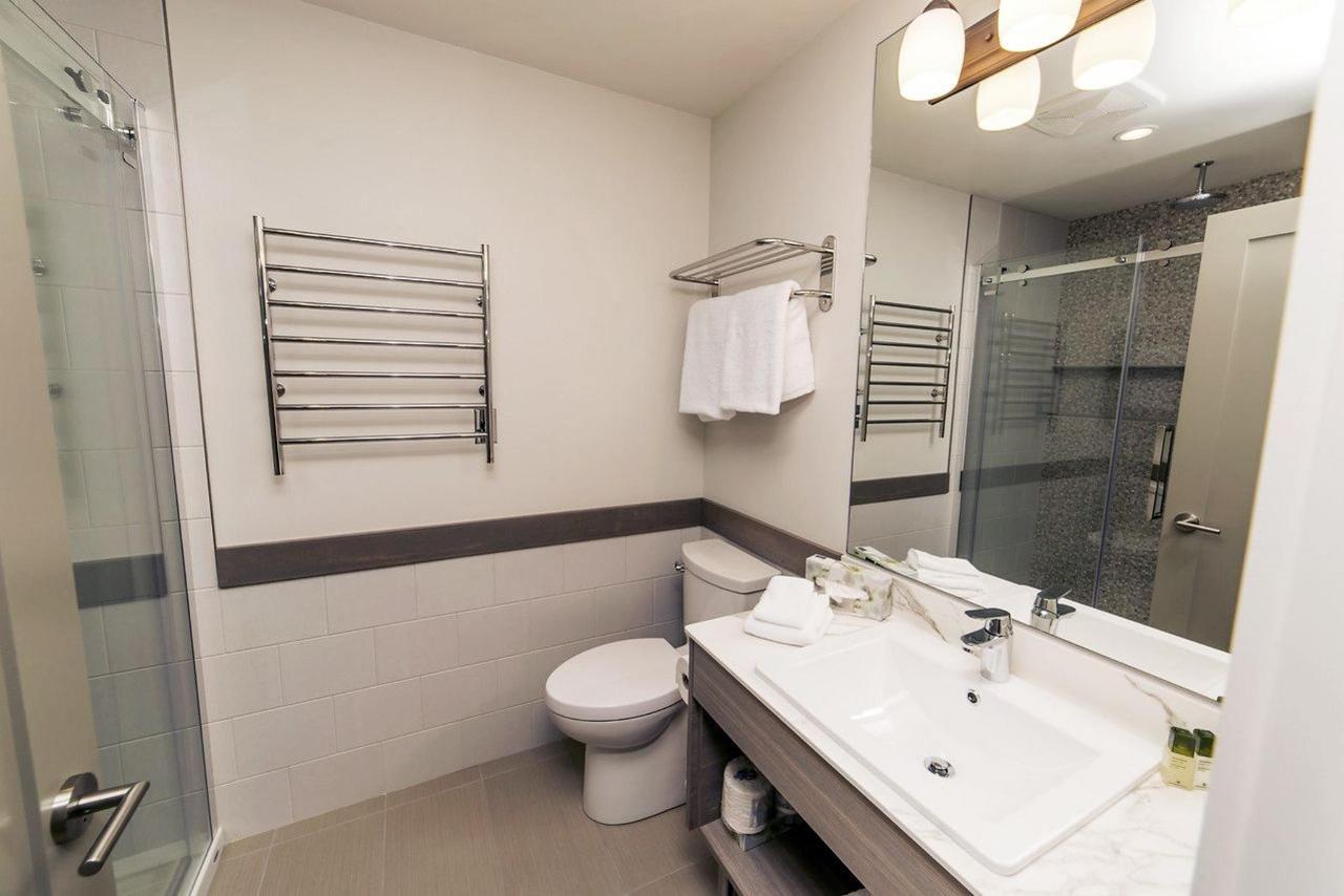 Tigh-Na-Mara Seaside Spa Resort Gabriola Bathroom