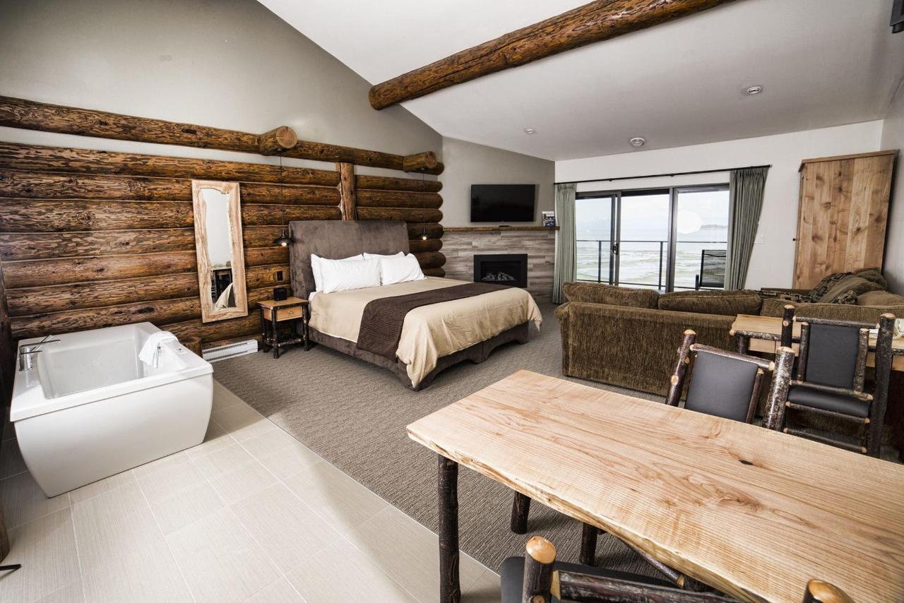 Tigh-Na-Mara Seaside Spa Resort Gabriola Interior Room