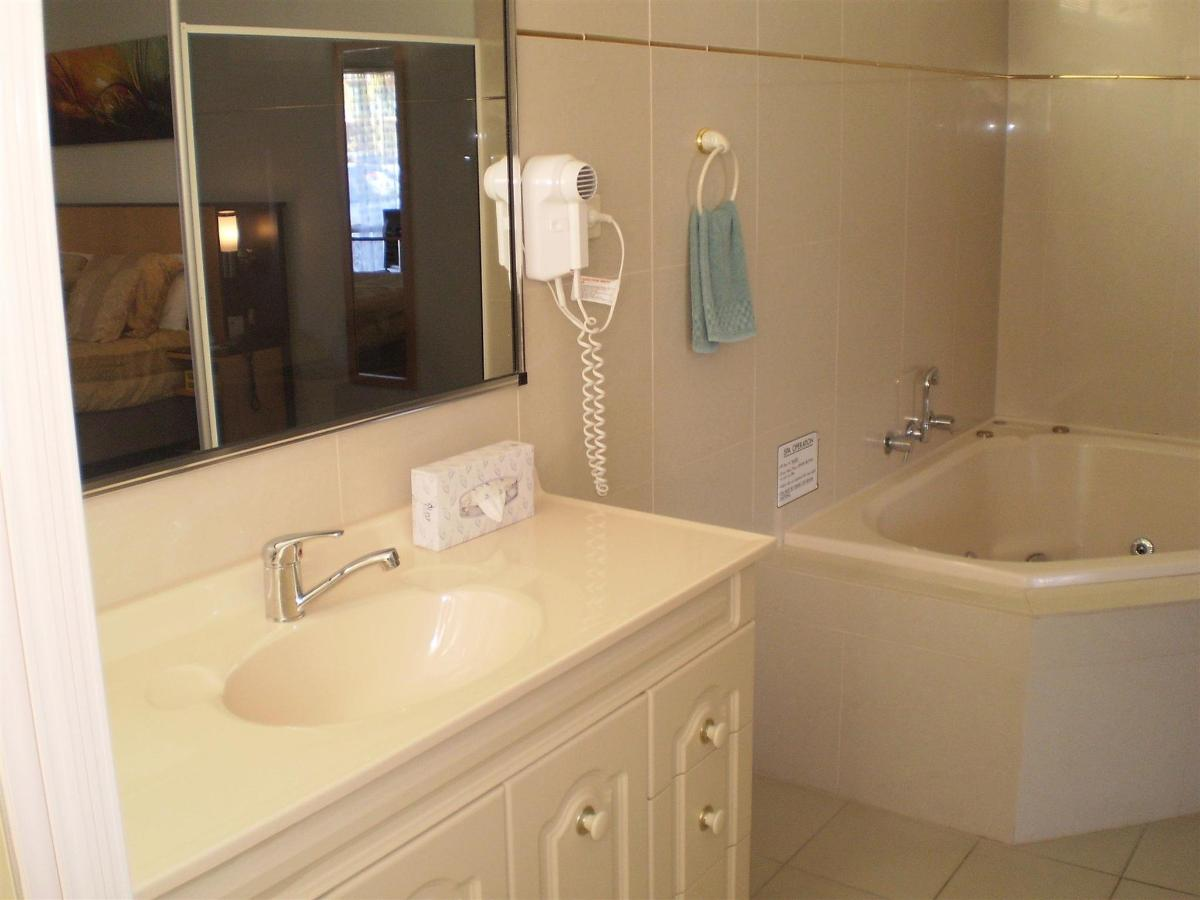 exec-spa-suite-2011-3.jpg