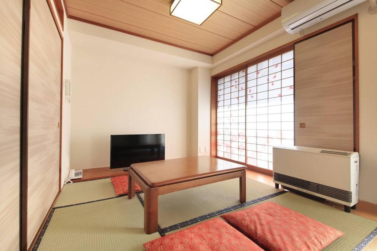 room_j.JPG.1024x0.jpg