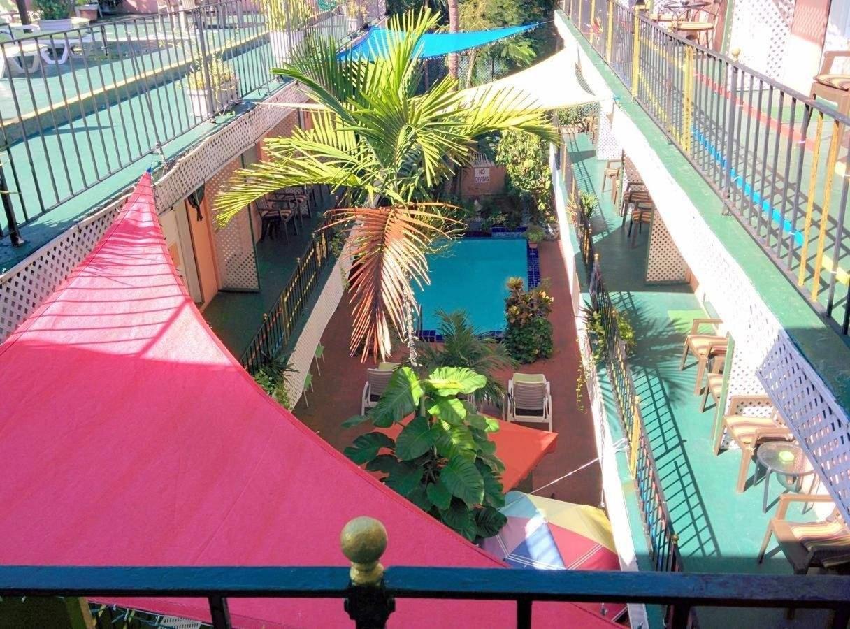 The Towne Hotel.jpg