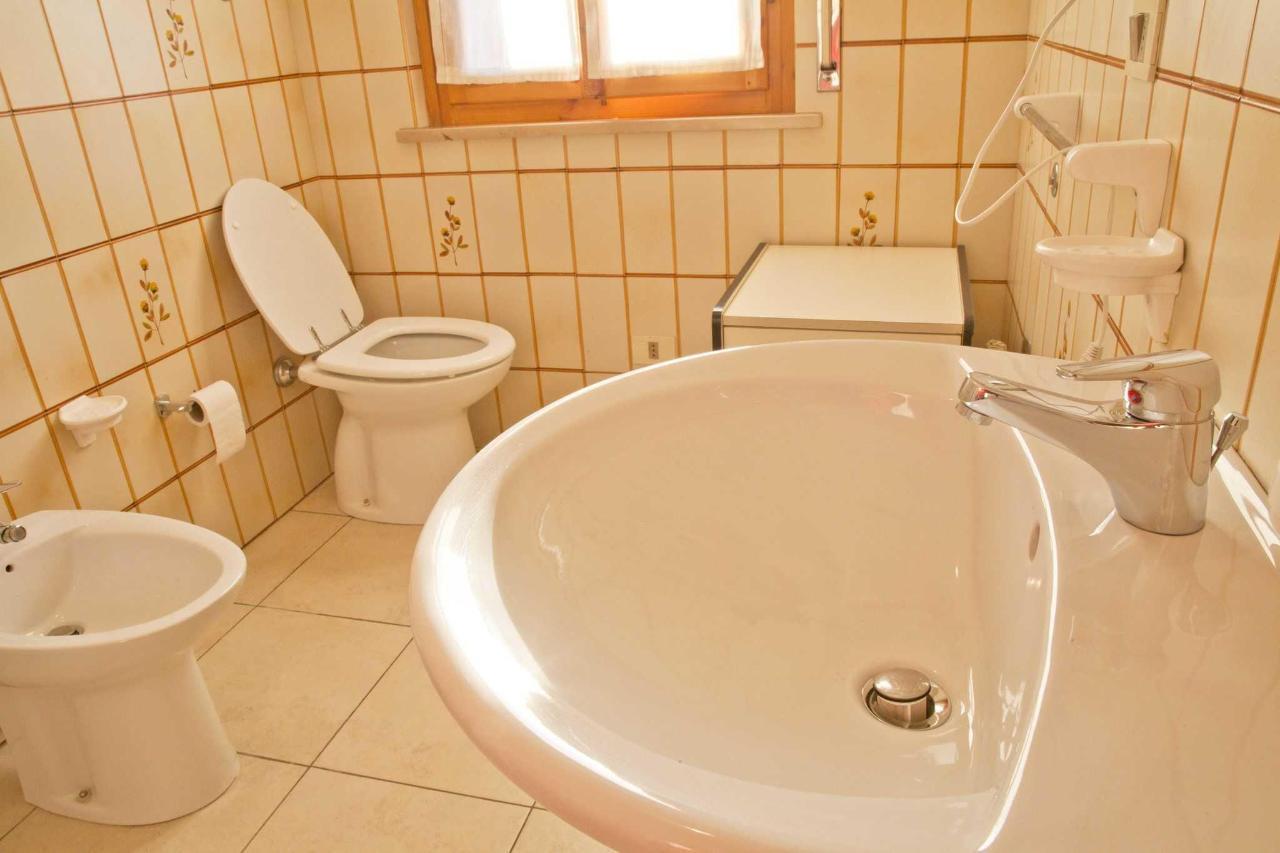 Appartamento bilocale - bagno.jpg