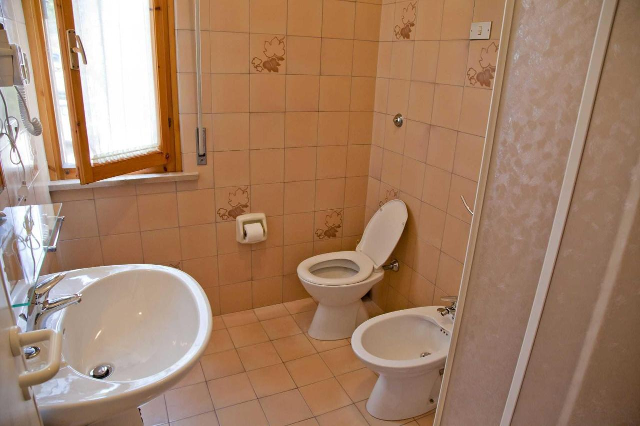 One-room apartment - bathroom.jpg