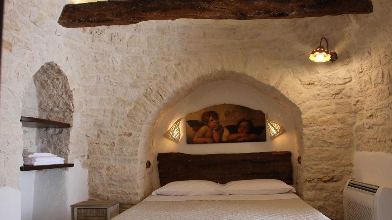 trullo piccolo tipico resort.jpg