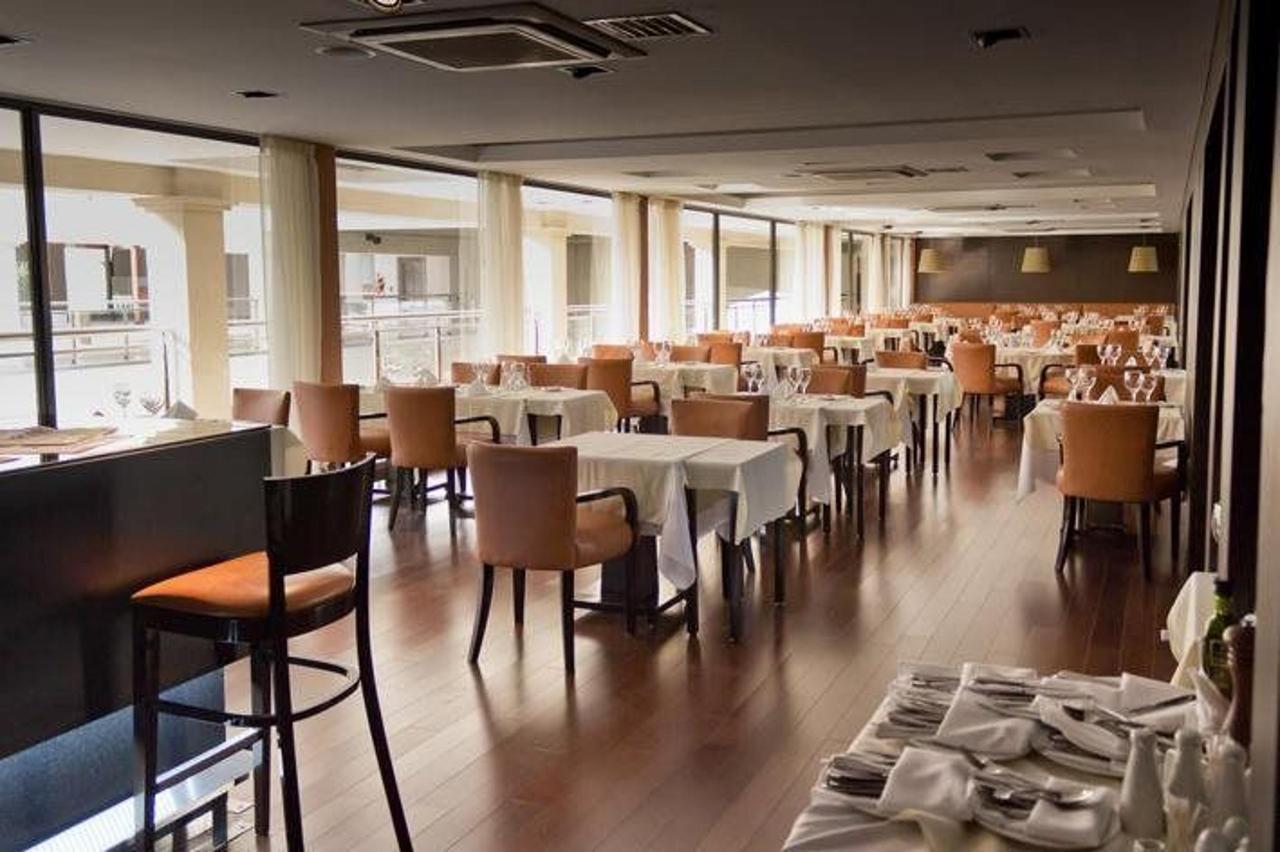 Vista Restaurant.jpg