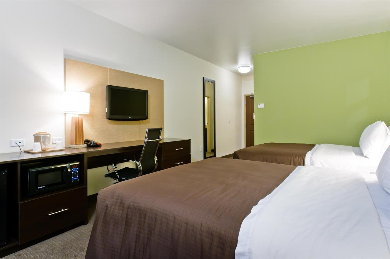 ks148-sleep-inn-queen-room-2.jpg